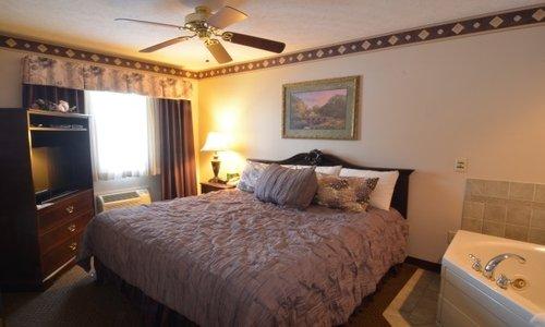 Hearthstone Inn & Suites: 10 S Main St, Cedarville, OH