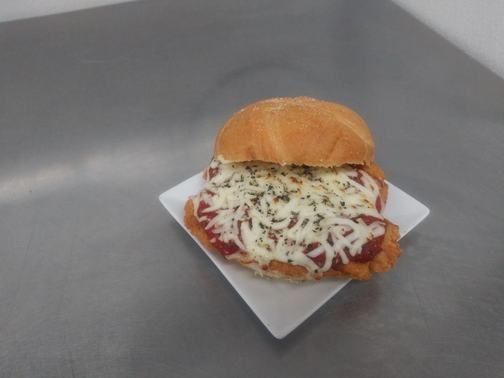 Fallston Food Market: 2419 Baldwin Mill Rd, Fallston, MD