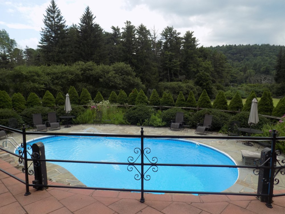 Bischwind Bed and Breakfast: 1 Coach Rd, Bear Creek, PA