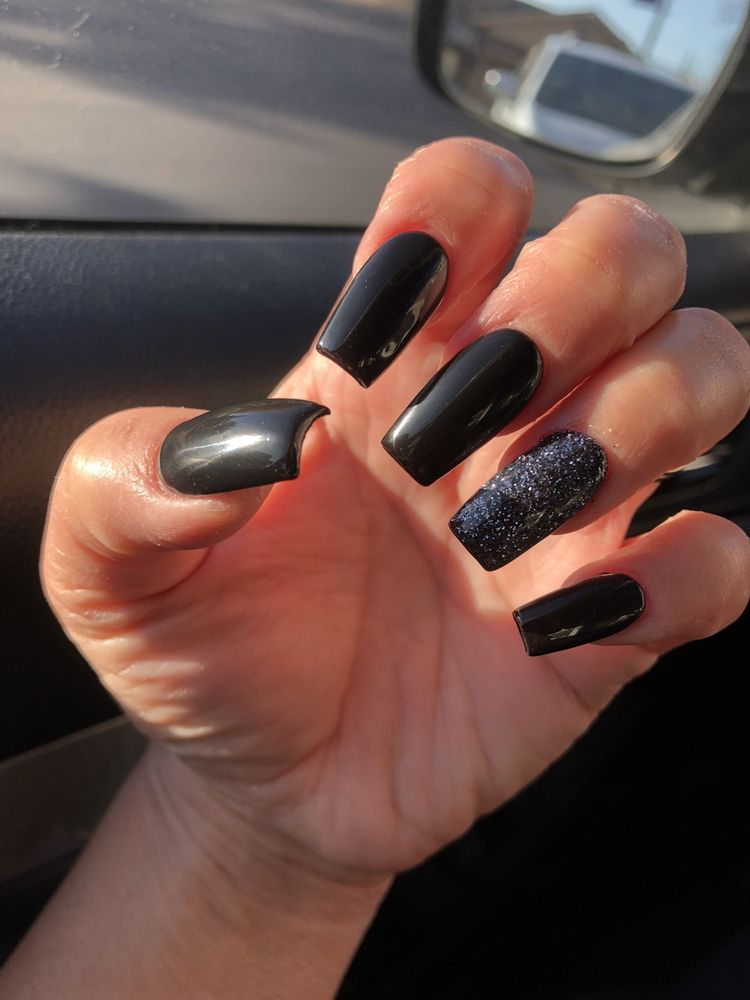 Copper Valley Nails: 610 Mccarty St, Copperopolis, CA