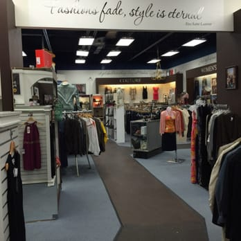 About Us SoHo Luxury Exchange is the sister-store of well-known luxury consignment boutique SoHo Fashion Exchange. SoHo is a family owned company based in Columbus, Ohio with a passion for designer fashion and luxury accessories.