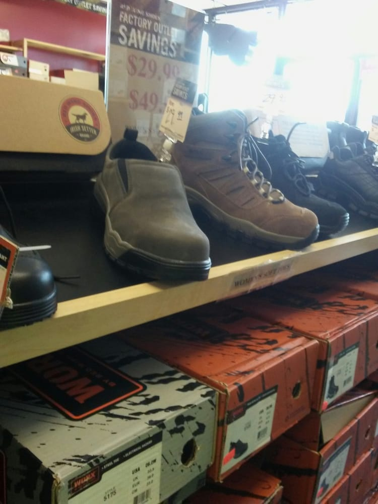 Red Wing Shoe Store Newington Ct