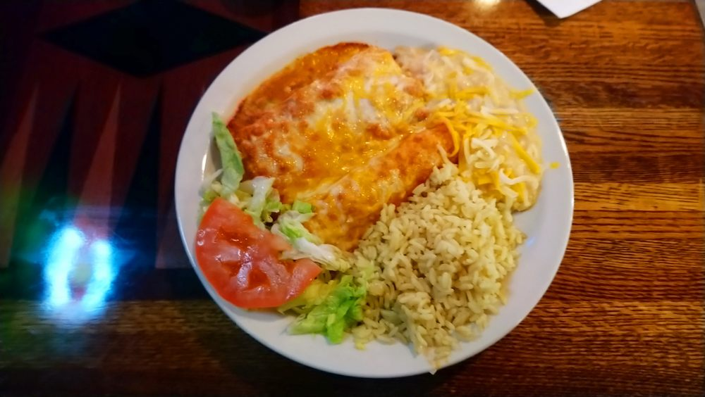 Two Chef's Restaurant - Bar - Catering: 3 S Center St, Bensenville, IL