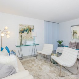 Photo Of Latitude 33   Palm Springs, CA, United States. Luxurious Living  Space