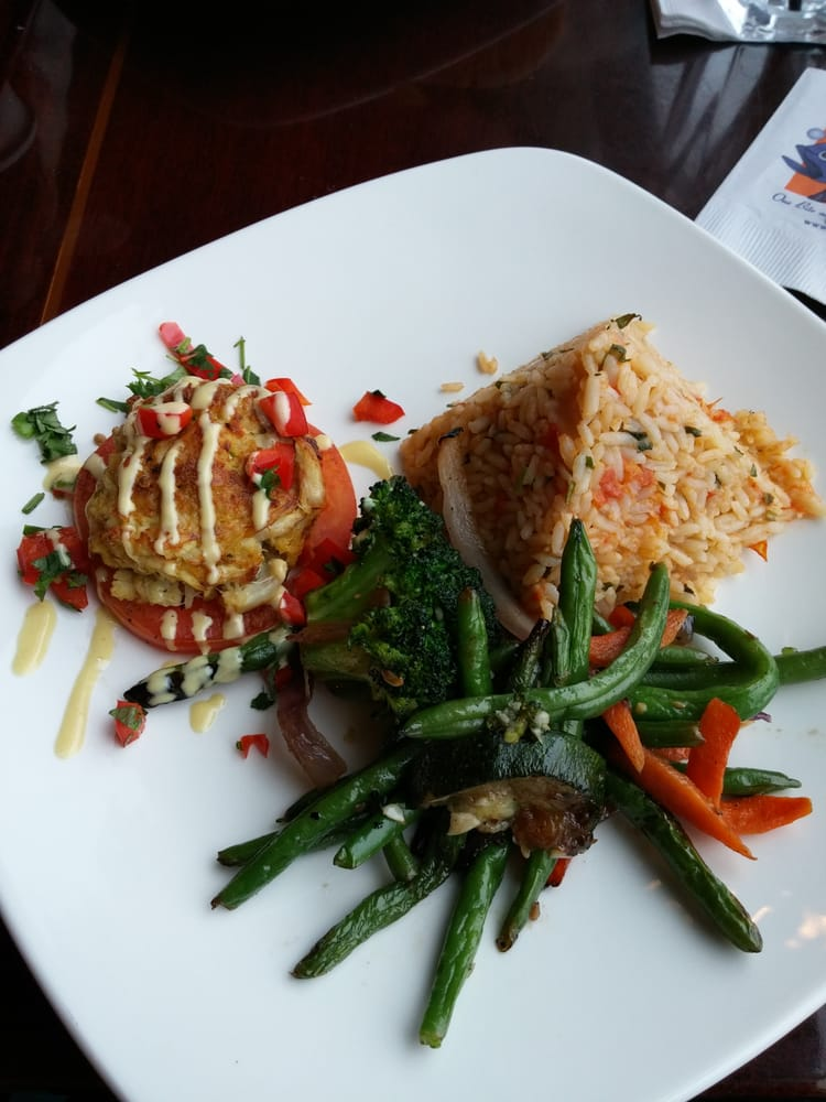 Maryland crab cake with rice and vegetable medley yelp for Big fish princeton nj