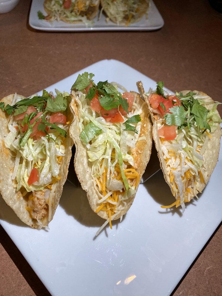 Taco Pete Bistro: 301 N Central Ave, Hapeville, GA