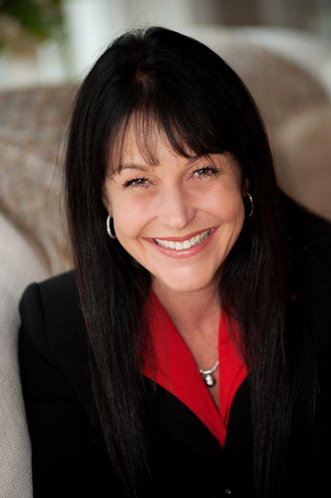 Erin Hovan - Robert Paul Properties: 155 Front St, Marion, MA