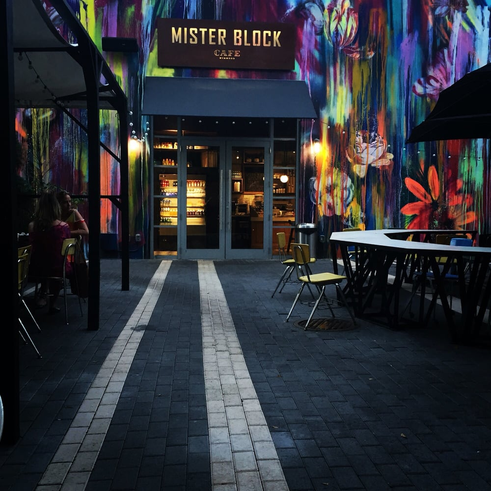 mister block cafe 213 fotos 84 beitr ge coffee shop 2621 nw 2nd ave wynwood miami fl. Black Bedroom Furniture Sets. Home Design Ideas