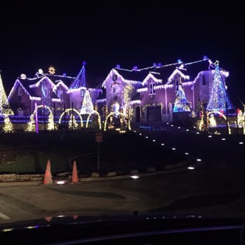 photo of the larsen christmas light show elburn il united states
