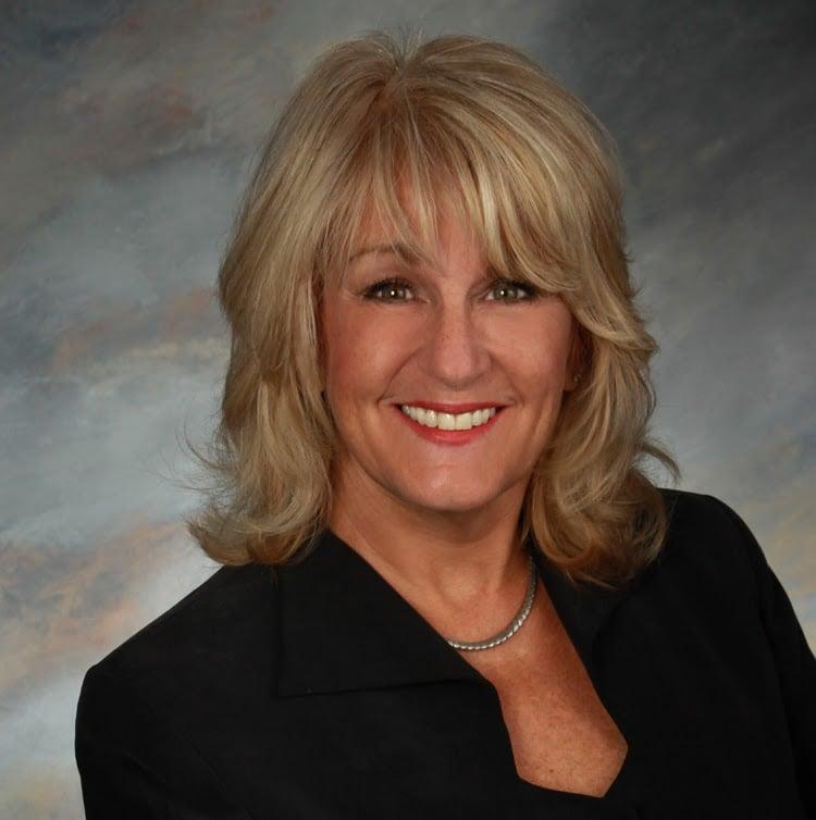 Lorraine Frendt, Assoc. Broker Coldwell Banker Professionals | 802 Lapeer Ave, Port Huron, MI, 48060 | +1 (810) 650-3339