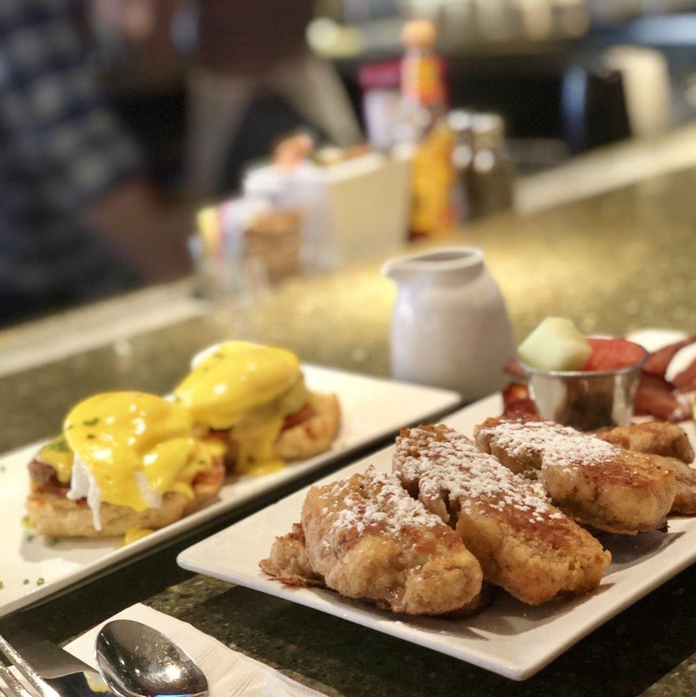 Butler's Pantry Breakfast: 128 Main St, Stowe, VT