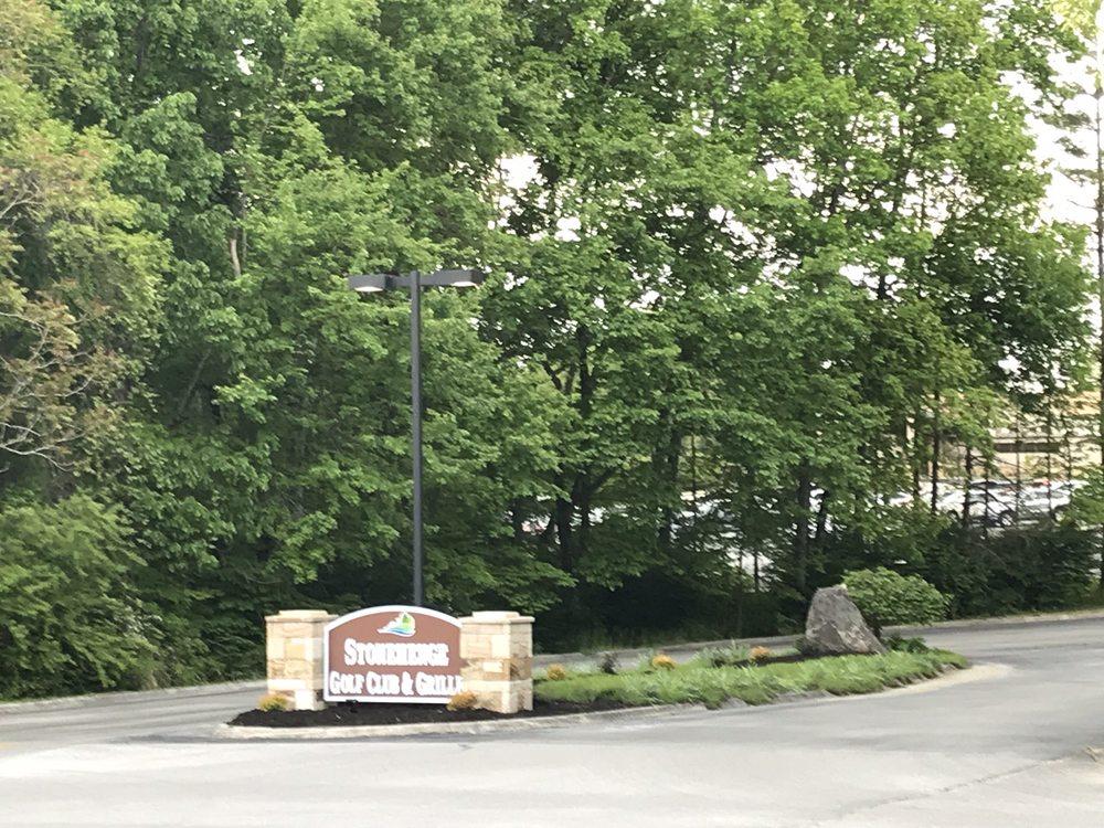 Stonehenge Grille: 222 Fairfield Blvd, Crossville, TN
