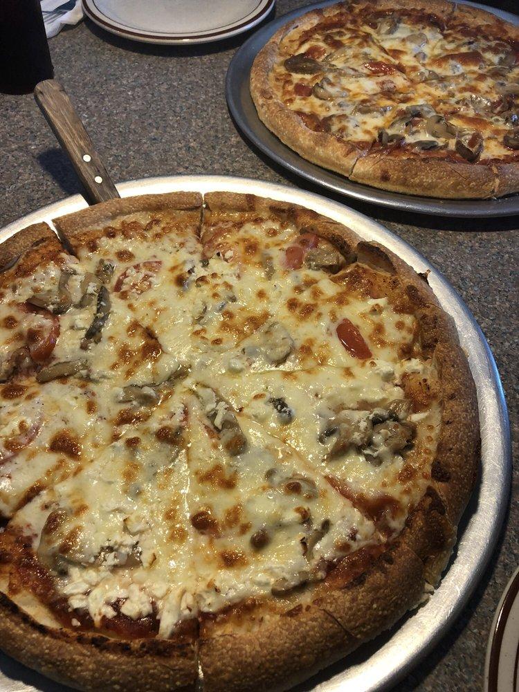 Georgio's II Famous Pizza: 5500 Sycamore St, Shaw A F B, SC