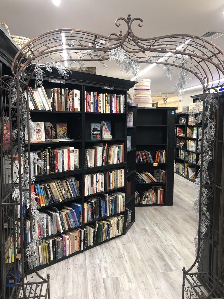 Sandman Books: 5240 Duncan Rd, Punta Gorda, FL