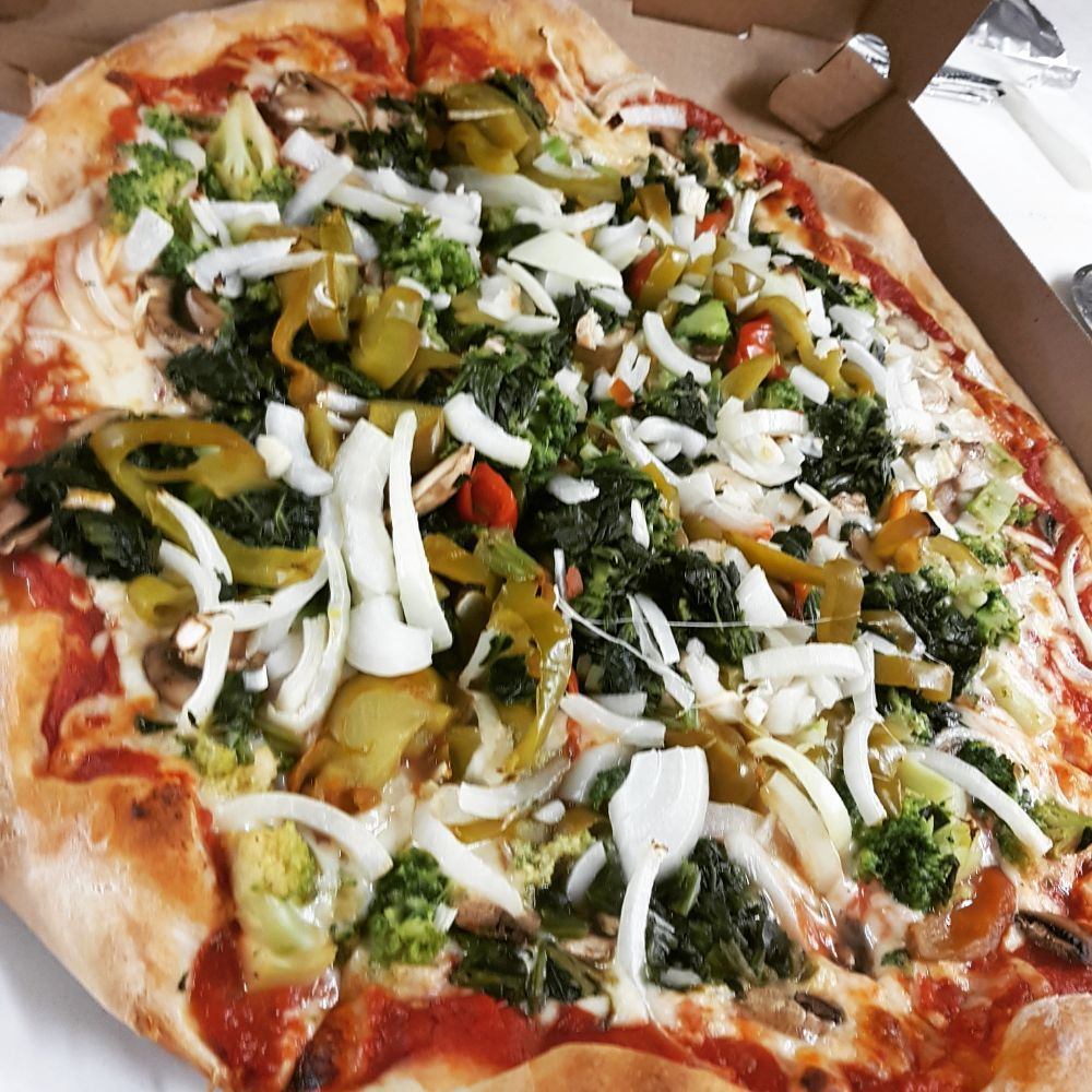 Greenwood Pizza and Grill: 396 North Lakeshore Dr, Hewitt, NJ