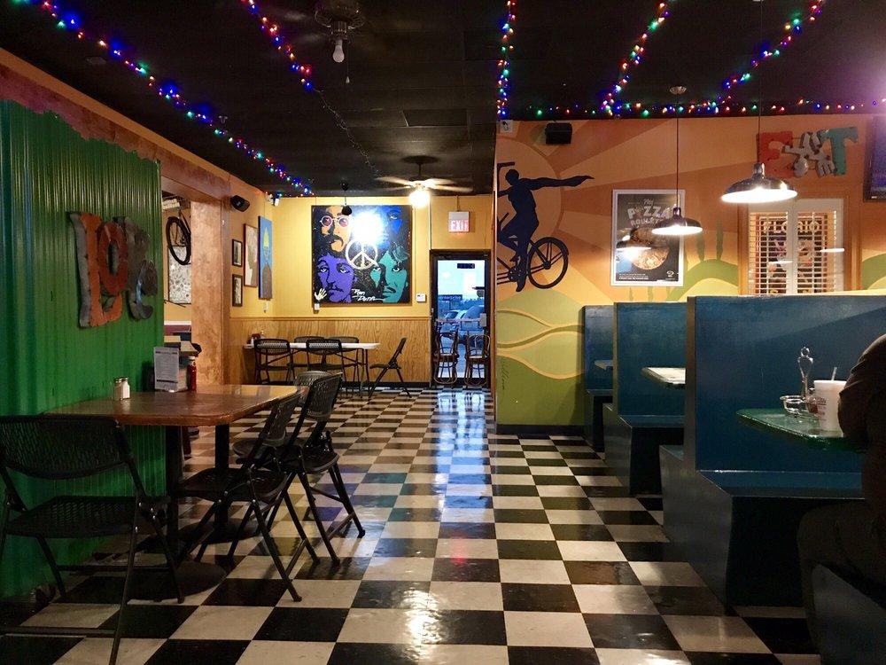 Roman Oven Pizzeria: 1604 E Forsyth St, Americus, GA