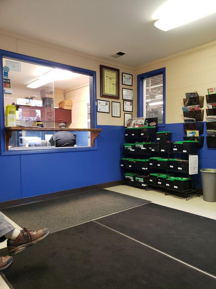 Wayne Croy Car Care Center: 7100 NE Antioch Rd, Gladstone, MO