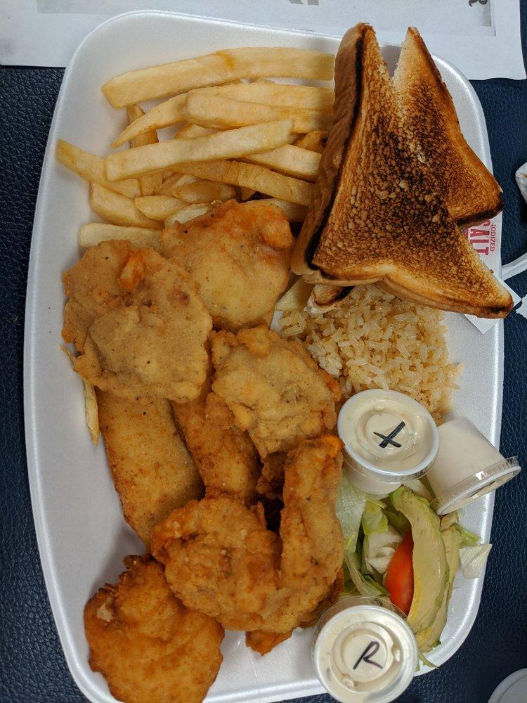 Grandma's Kitchen: 956 E Hidalgo Ave, Raymondville, TX