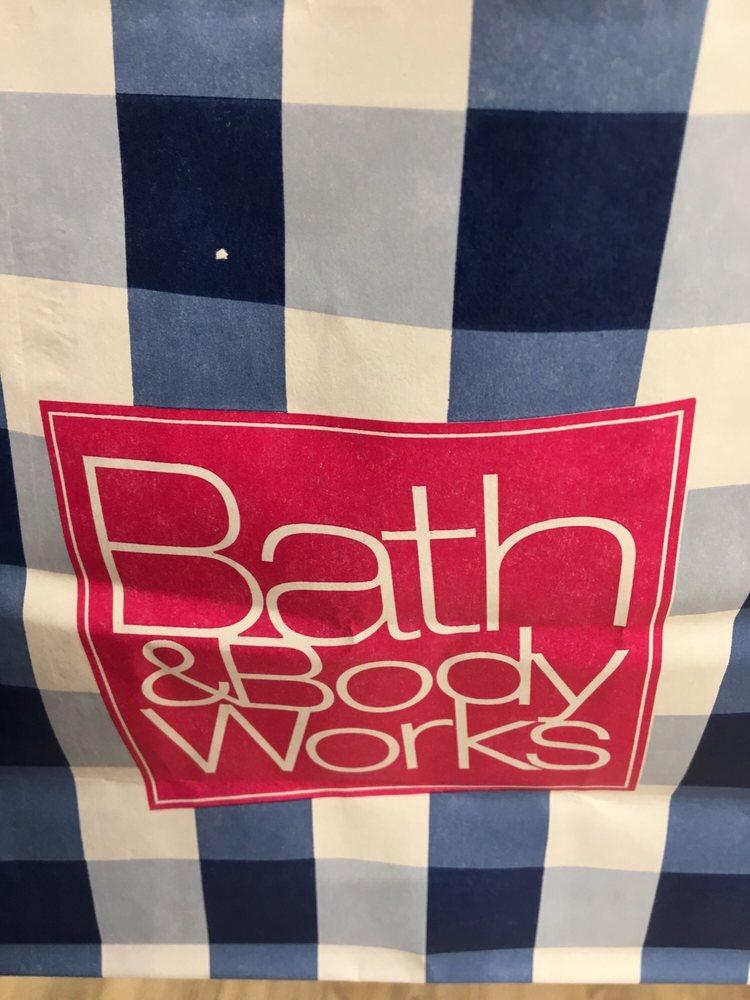 Bath & Body Works: 545 Bass Pro Dr NW, Altoona, IA