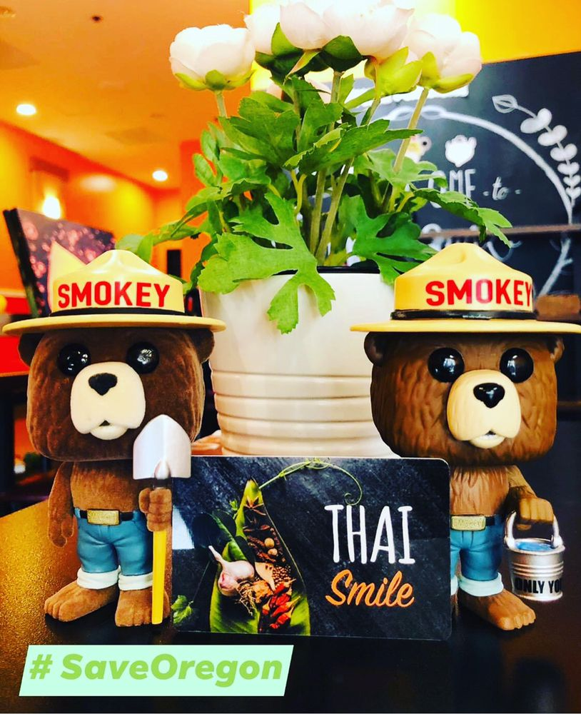Thai Smile Milwaukie: 18040 SE McLoughlin Blvd, Gladstone, OR