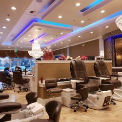 1 Luna Nail Lounge