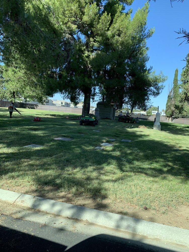 Dixon Cemeteries: 800 S 1st St, Dixon, CA
