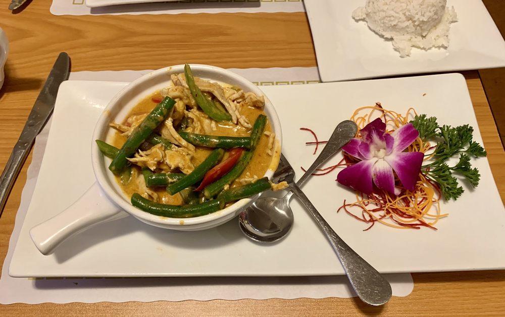 Taste The Thai: 406 Union St, Littleton, NH