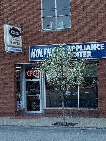 Holthaus Heating & Appliance: 207 S Locust St, Pana, IL