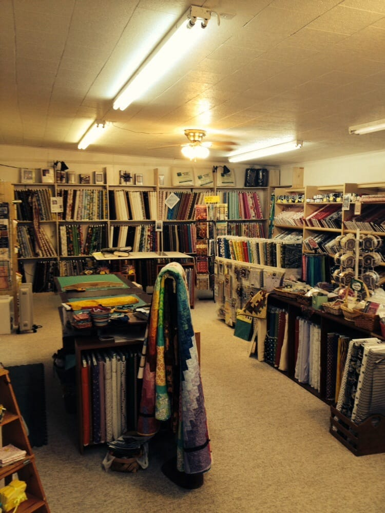 Mama's Quilt Shop: 15111 Catfish Farm Rd, Independence, LA