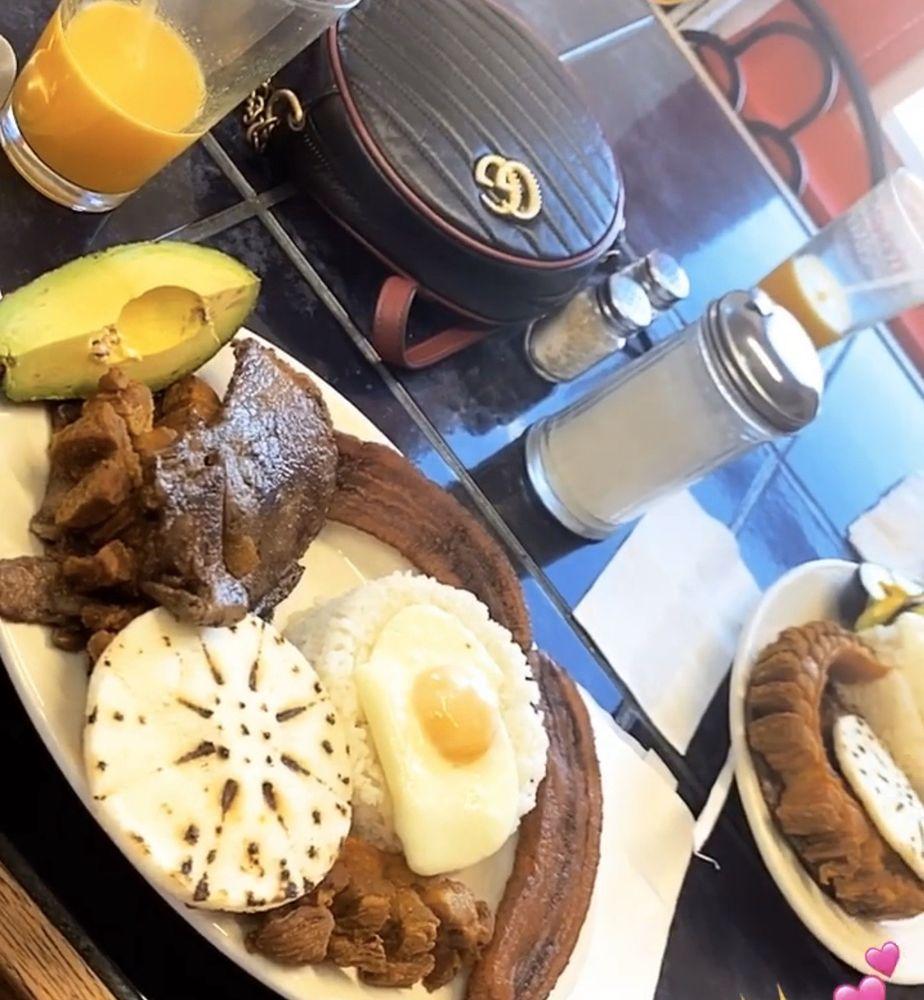 Food from Antojitos y Algo Más