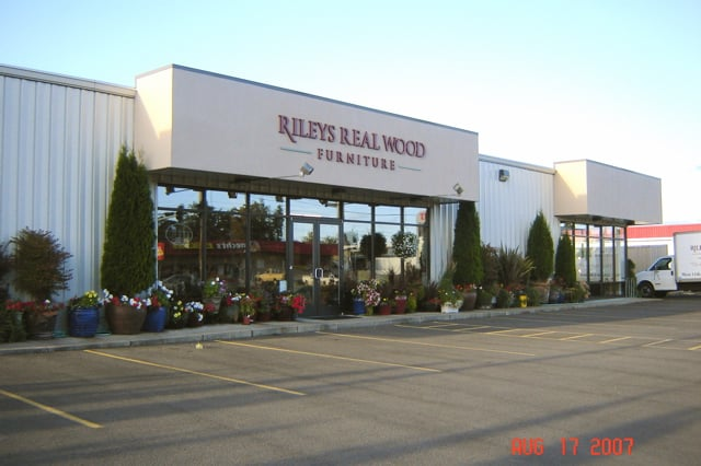 Rileys Real Wood Furniture 15 Photos Furniture Stores 2305 W 11th Ave Eugene Or Phone