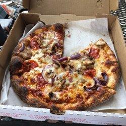 7 Maggi S Pizza And Deli