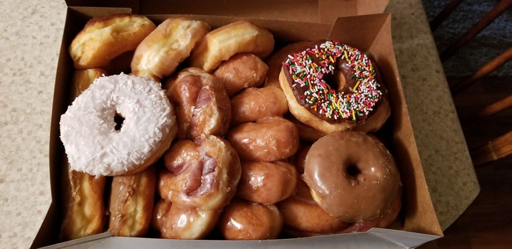 Donut Palace: 2505 14th St, Ponca City, OK