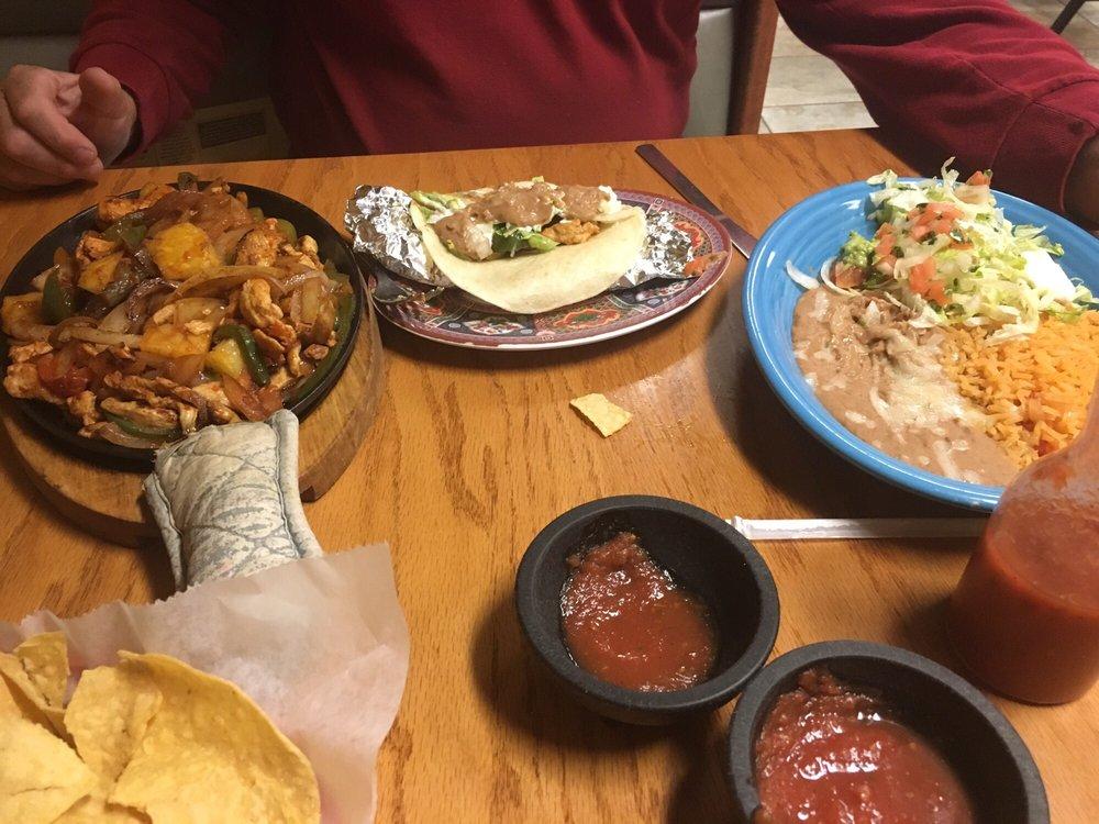 Los Primos Mexican Restaurant: 2006 US Hwy 81, Belleville, KS