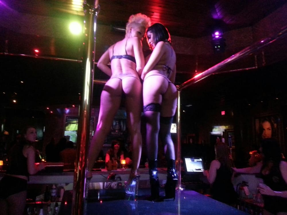 Strip in best usa club