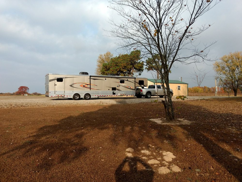 Grape Country RV Park: 7806 Hwy 186, Altus, AR