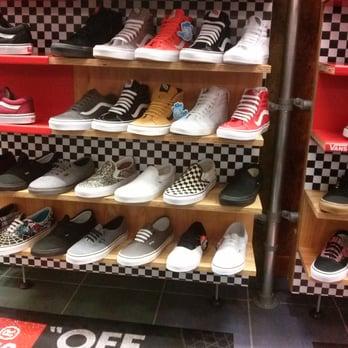 1bb78429d Journeys Shoe Store - 11 Photos   13 Reviews - Shoe Stores - 2525 El ...