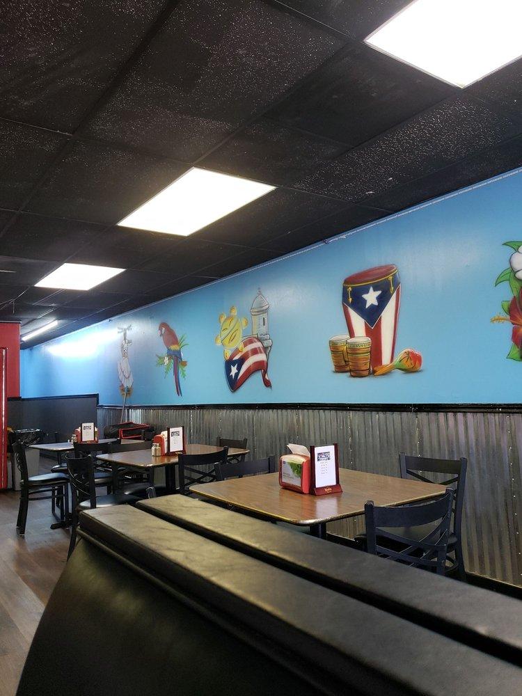 La Isla Flavor Cafe: 308 W Interlake Blvd, Lake Placid, FL
