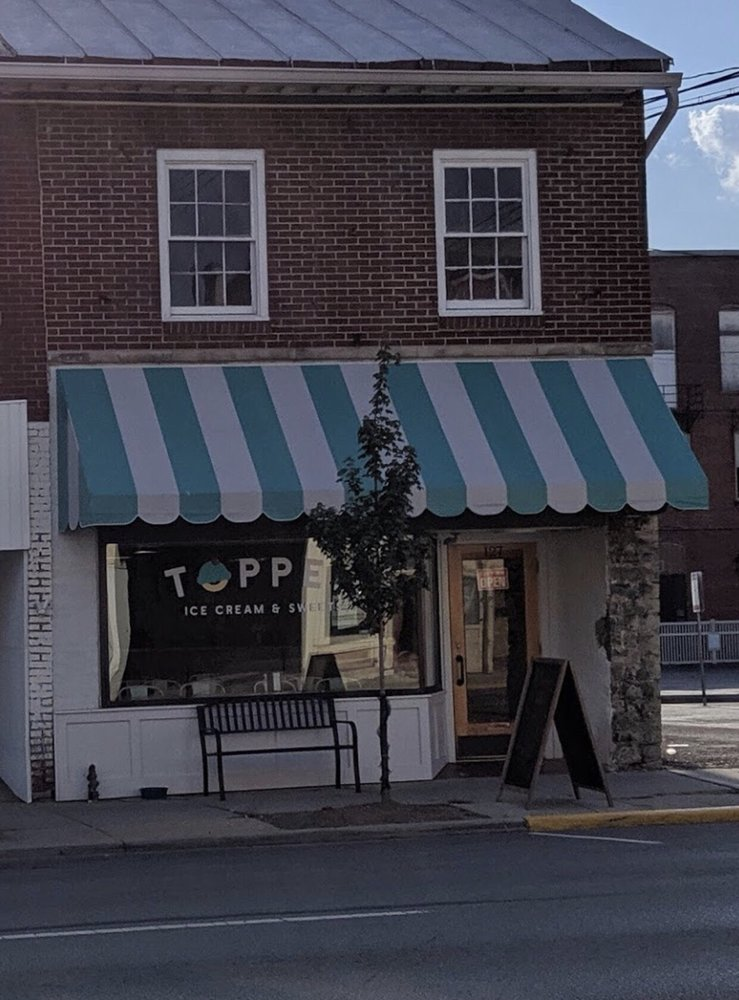 Topped Ice Cream & Eatery: 127 S Main St, Marion, OH