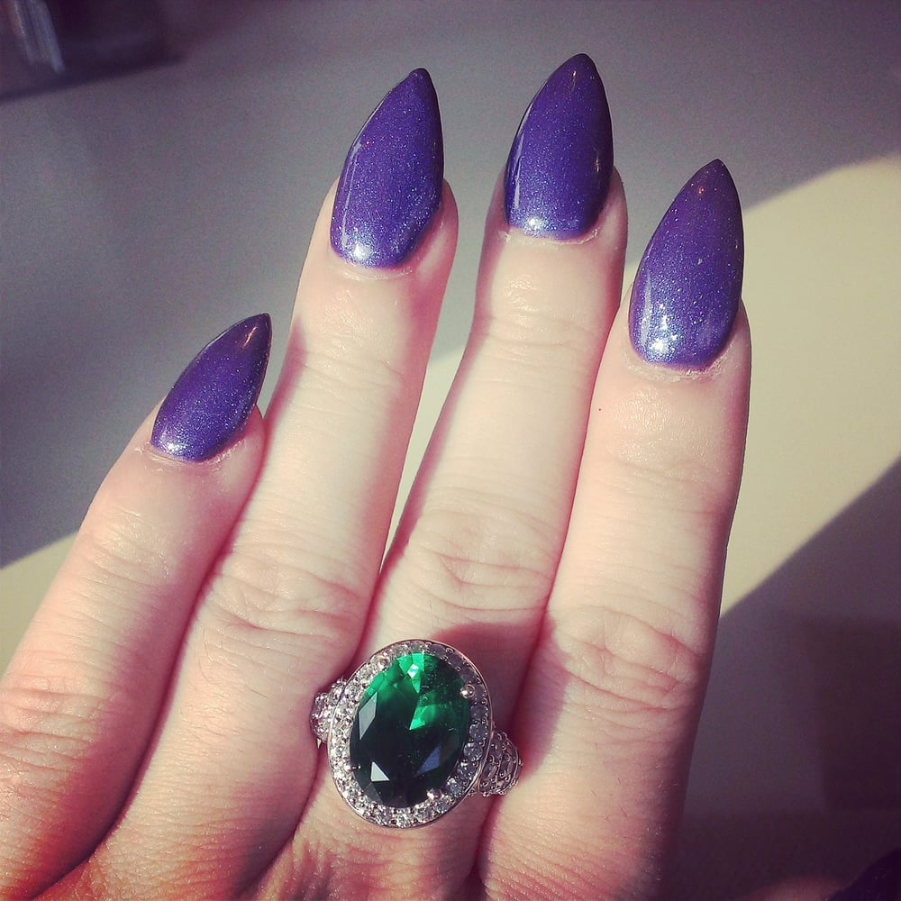 Stiletto nails with glitter shimmer and no chip colour by Raymond ...