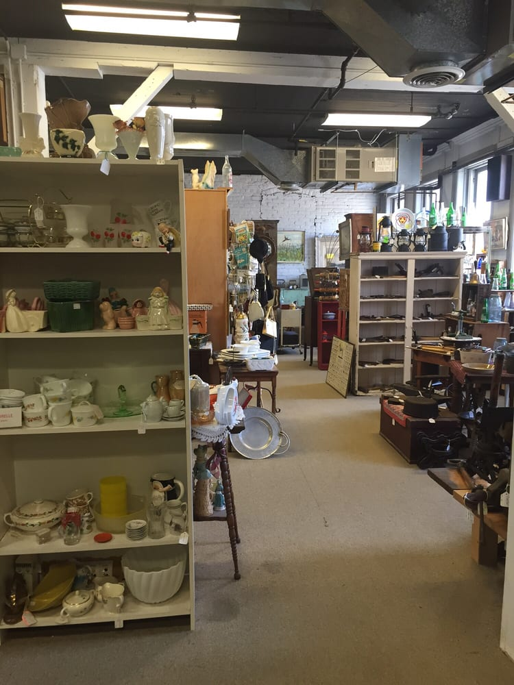 Twin Tiers Antiques Plaza: 67 W Market St, Corning, NY