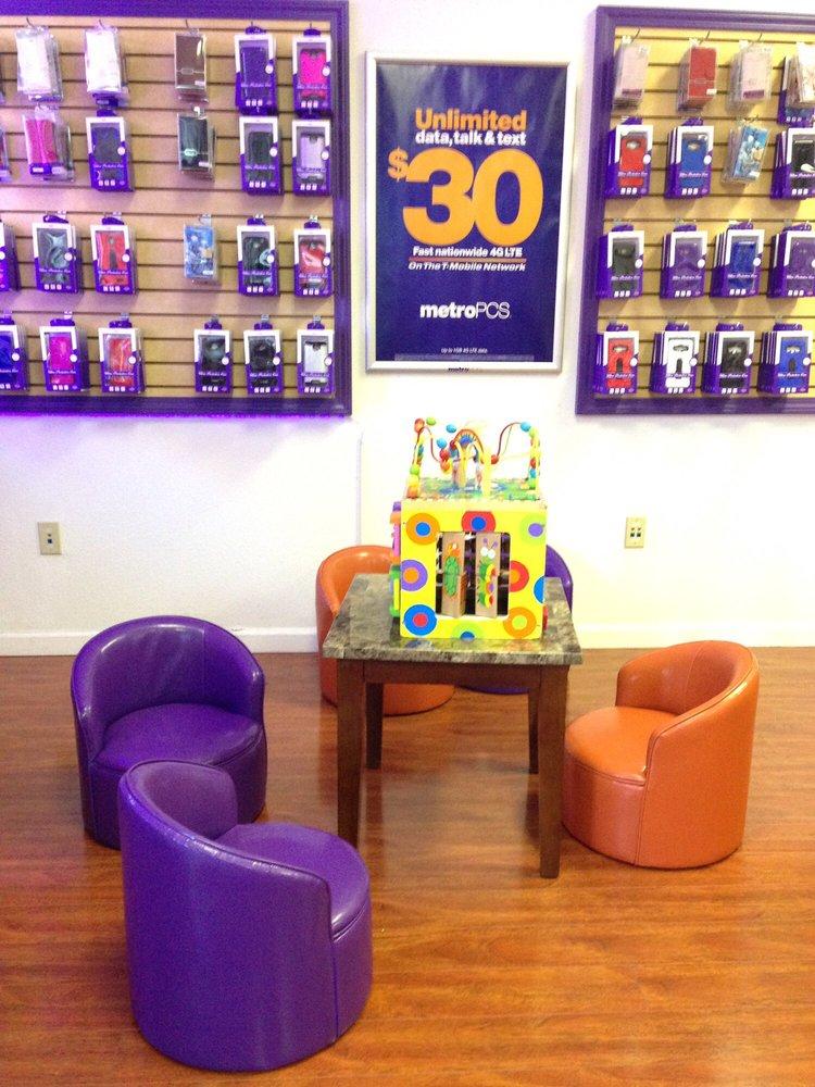 Phone Repair Center: 2860 Pinole Valley Rd, Pinole, CA