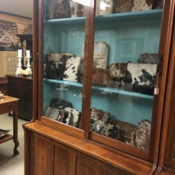 Remarkable Hall Sisters Farmhouse Antiques 4401 Heber Springs Rd Interior Design Ideas Grebswwsoteloinfo