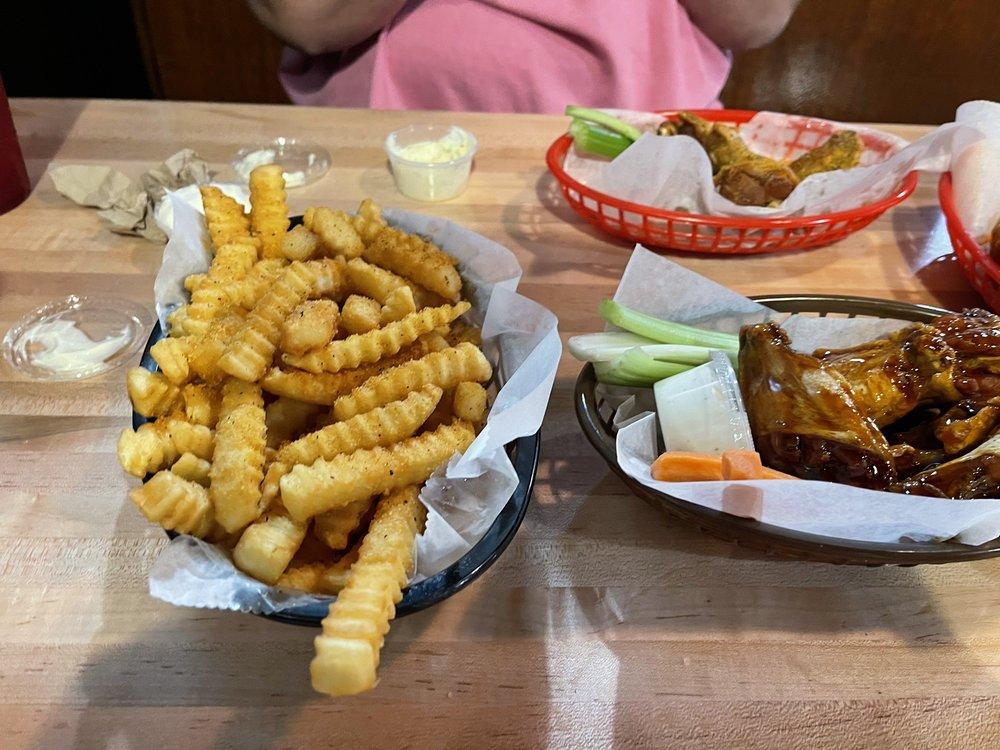 Food from Birdies Wings of Kennesaw