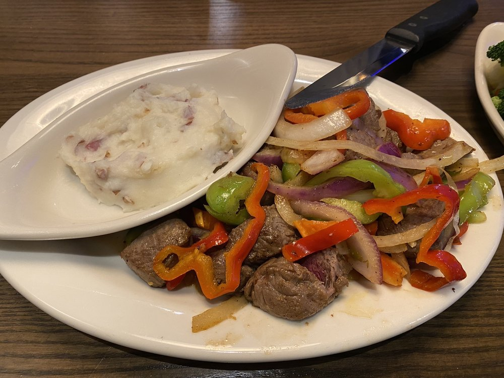 Colton's Steak House & Grill: 707 S Cleveland St, Enid, OK