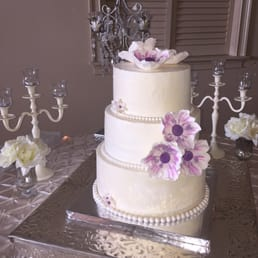 Photo Of Suzanneu0027s Signature Wedding Cakes   Charlotte, NC, United States.  Lilac Flowers