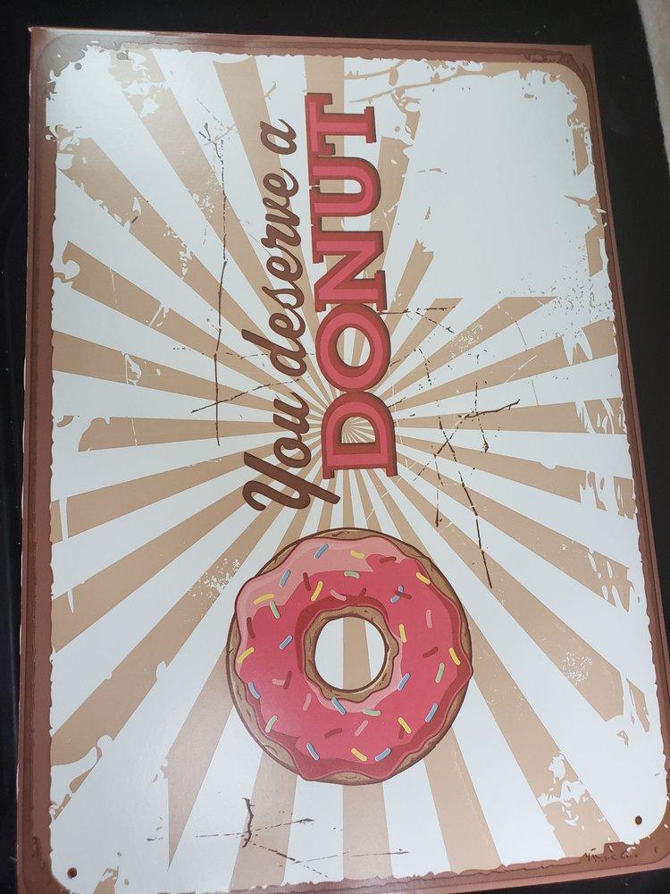 Farmville Donuts and Kolaches: 1510 W 3rd St, Farmville, VA
