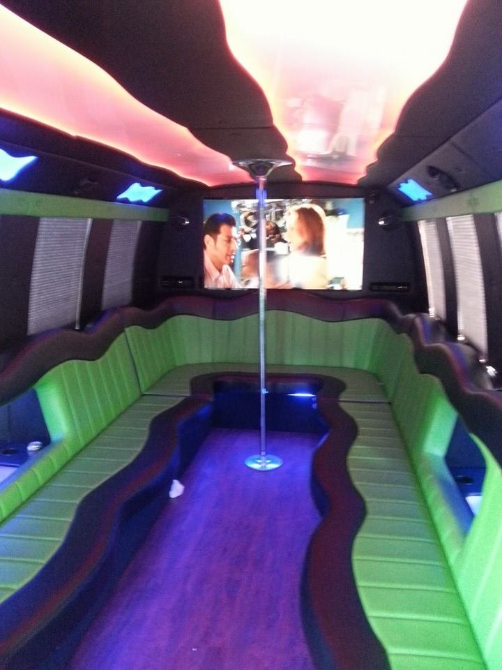 Red Carpet Limousine: 609 W 3rd St, Sterling, IL