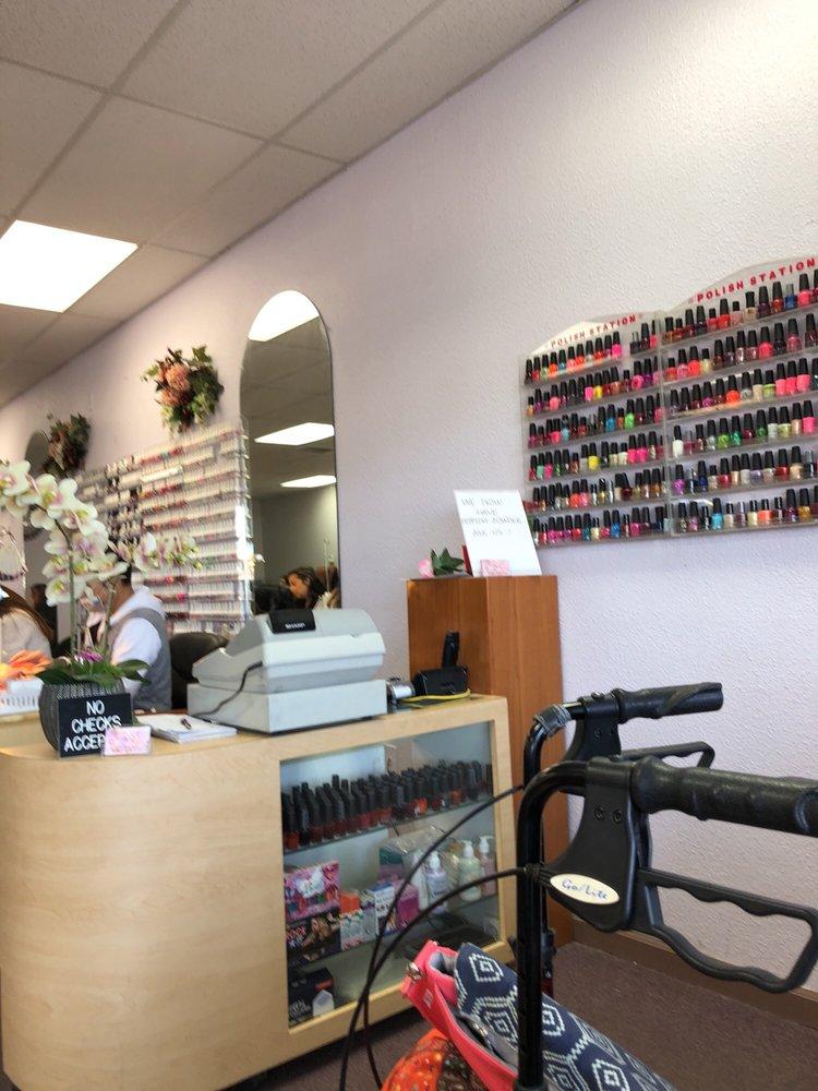 Nails Time: 2-46 Appaloosa Dr, Los Lunas, NM
