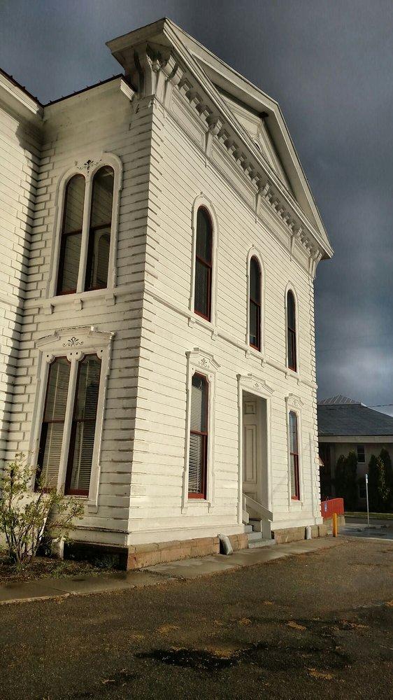 Mono County Courthouse: 278 Main St, Bridgeport, CA